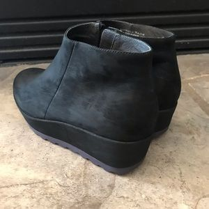 Camper suede ankle boot